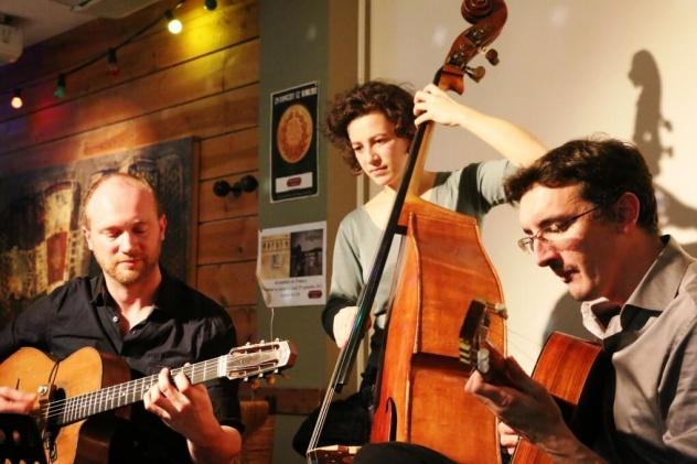 Trio de jazz mancouche pour animer votre mariage ou concert.