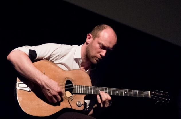 trio jazz manouche en concert à Lille.